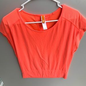 LUCY ACTIVEWEAR // TOP